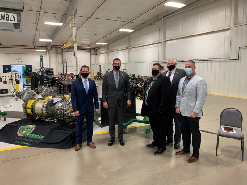 Governor Kevin Stitt joined executives from Stroud-based Mint Turbines today to announce that the company will become a T700 licensed maintenance, repair and overhaul provider for General Electric (GE).